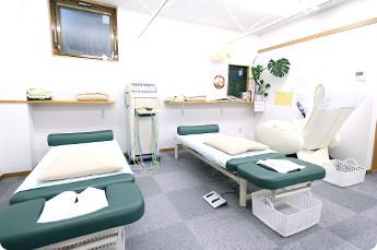 ひだまり鍼灸整骨院診察台